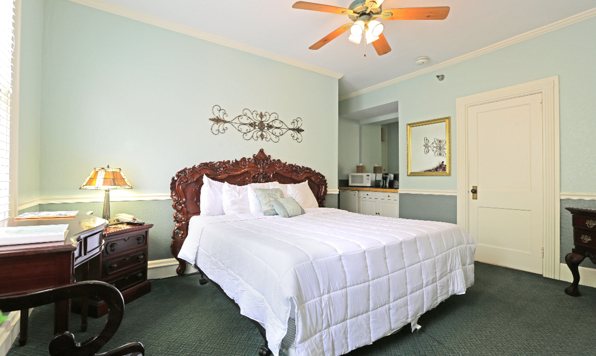 Pier  Deluxe King Room Rates